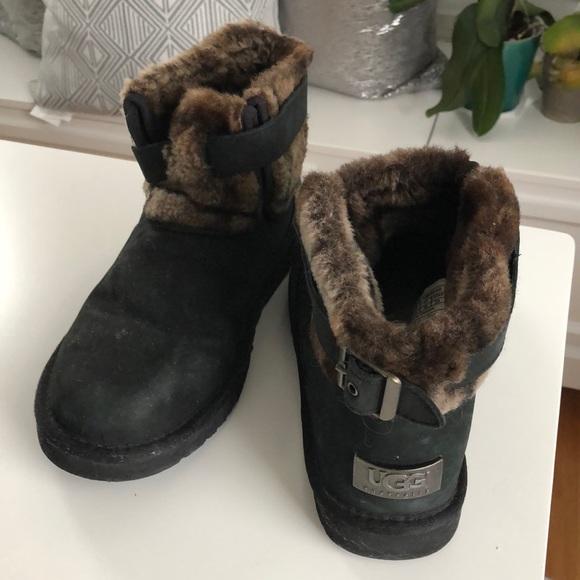 1e82509d767 UGG Jocelin Black Ankle Boots Size 7